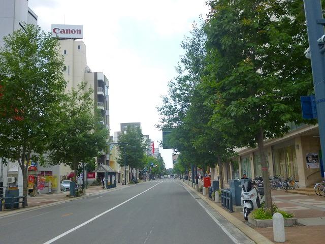 藤丸デパート西2条南8丁目から駅方向(平成27年7月)